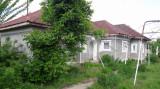 Vanzare casa batraneasca in Nicolae Balcescu partial renovata