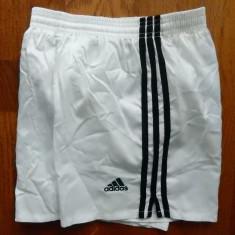 Pantaloni scurti Adidas. Marime XS, vezi dimensiuni exacte; impecabili