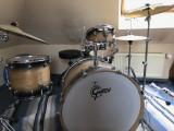 Set Tobe, Gretsch Drums