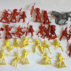 Lot 29  figurine indieni, cowboy, cal, machete plastic 6 cm, Vestul Salbatic