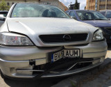 Opel Astra avariat in fata cu airbergurile sarite Capacitate 1,4, Benzina, Berlina