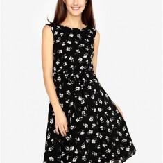 Rochie clos neagra cu print floral M&Co - Rochie de zi