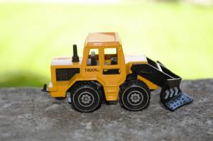 Macheta / jucarie masinuta metal - Tractor plug zapada #596