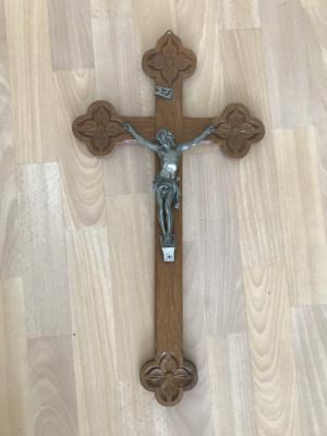 Cruce din lemn si zinc cu Isus Rastignit 60x31cm foto