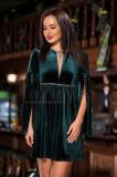 Rochie verde smarald din catifea cu accente romantice