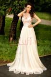 Rochie lunga eleganta din tul crem si dantela rose