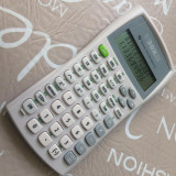 Calculator stiintific model Texas Instruments TI-30X IIB