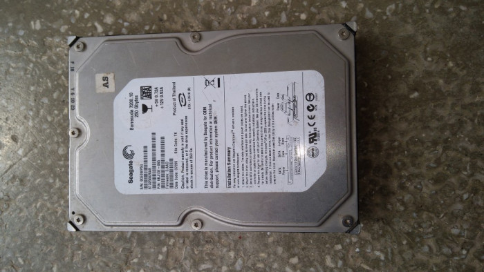Hard disc 250 Gb SATA 2 / Seagate ST3250820AS/ 7200 Rpm / Testat / 3,5 Inch (O5) foto mare