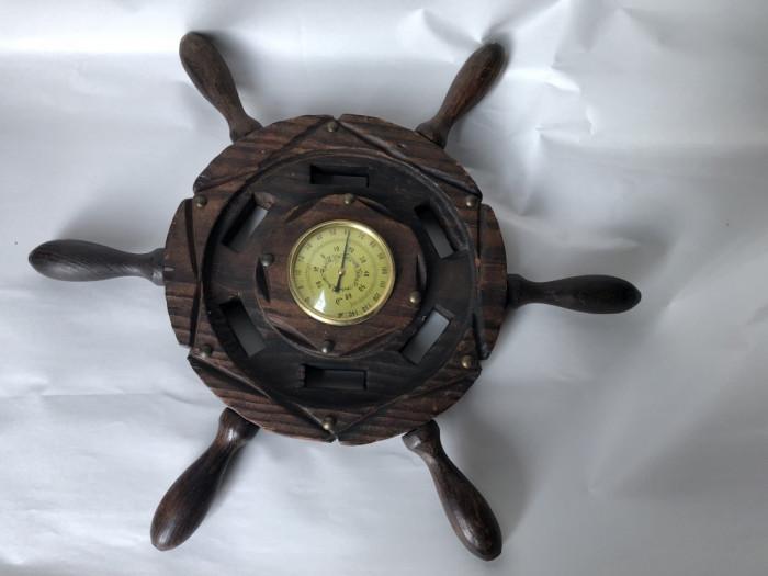 Termometru vechi,francez,din lemn,in forma de timona de corabie