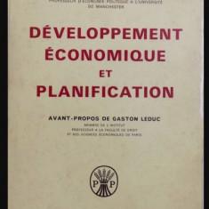 W. Arthur Lewis / Developpement economique et planification - Carte Economie Politica