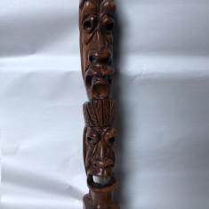 Sculptura veche,hawaiana,din lemn ,masiv