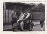 Bnk foto - Scuter Jawa Manet - numarr de Ploiesti , anii `60, Alb-Negru, Transporturi, Romania de la 1950