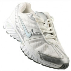 Adidasi Femei Nike Wmns Commit 315384141 - Adidasi dama Nike, Marime: 38.5, 39, 40, Alb