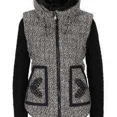 Jacheta gri cu negru cu guler inalt Desigual Nigth - haina de blana