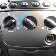 Comenzi climatizare fara AC + corp bricheta Ford Fiesta An 2000 - Control Aer Conditionat