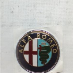 Emblema fata spate Alfa Romeo 147 An 2000-2010 cod 465589730 - Embleme auto