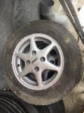 Vand roti pentru Ford!, 13, 4