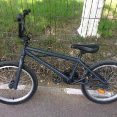 Vând BMX stare 8, 50/10 negociabil + accesorii - Bicicleta BMX, 20 inch, Numar viteze: 1