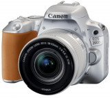 Aparat Foto DSLR Canon EOS 200D + EF-S 18-55mm IS SL, 24.2 MP, Full HD, Wi-Fi (Argintiu)