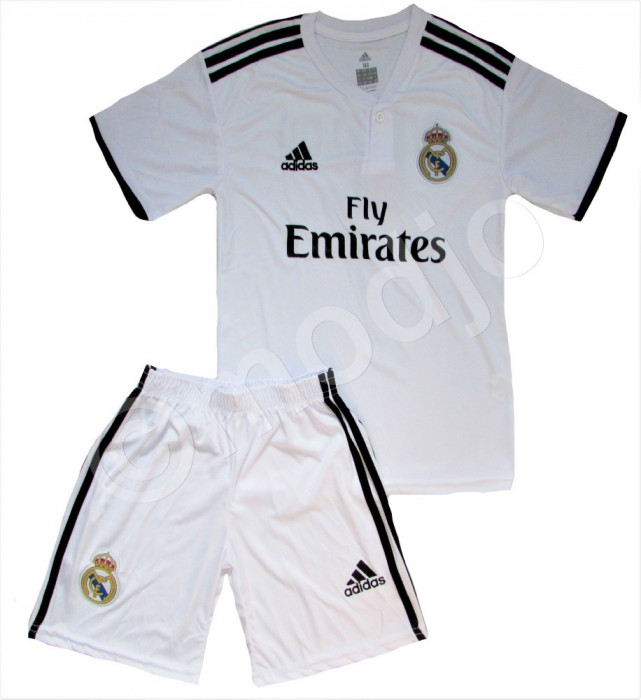 Compleu Echipament Fotbal Real MADRID RONALDO 2018-2019  pt. copii 5  la 15 ani foto mare