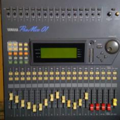 Mixer digital Yamaha Pro 01