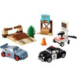 Antrenamentul lui Fulger McQueen Willy's Butte LEGO Juniors Disney Cars 3 (10742)