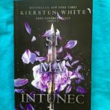 Kiersten White - Si ma intunec  (Editura Corint, Leda Edge ; 480 pag.)