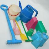 Cumpara ieftin LOT 11 JUCARII ROMANENSTI DIN PLASTIC PENTRU NISIP, VECHI DIN PERIOADA COMUNISTA