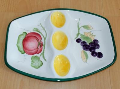 Platou pentru oua / compartimentat - decorativ - portelan Italia foto