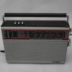 RADIO SOVIETIC CU TRANZISTORI - VEF 214 - FUNCTIONAL - DE COLECTIE - ANII 1980