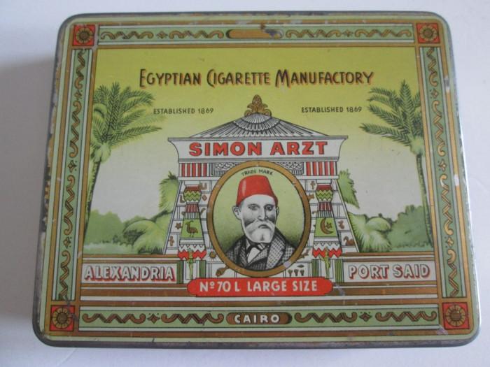 Pachet gol din tabla/litho colectie 20 tigari Simon Arzt din anii 30