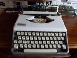 Masina de scris mecanica JULIETA