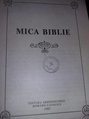 carte veche,MICA BIBLIE,Arhiepiscopiei Romano-Catolice 1987,Transport GRATUIT foto