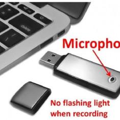 Microfon Spion tip memory stick, 8GB memorie