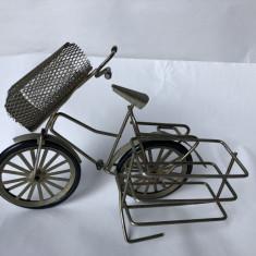 Suport pentru pachetul de tigari si cuite de chibrite,bicicleta
