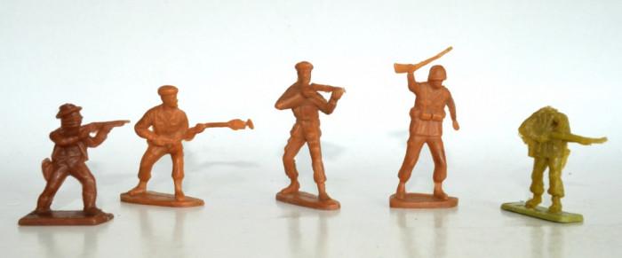 Lot figurine romanesti - perioada comunista - Soldati WW1 , WW2