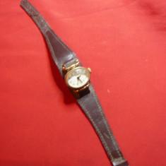Ceas de dama vechi Zaria ,oval ,d=2,9x1,5 cm , Art-Deco ,functional
