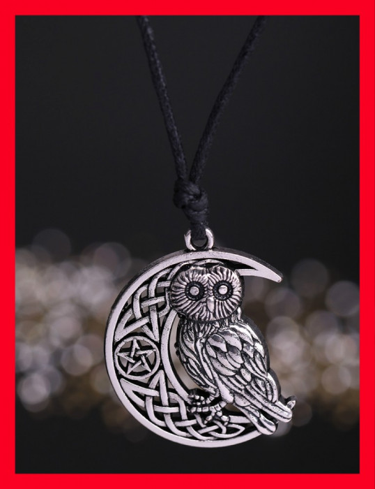 Pandantiv bufnita pe luna cu pentagrama si semne celtice semiluna