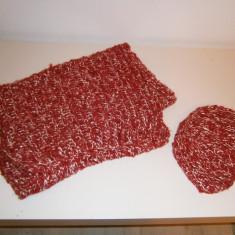 Set superb sal si caciula tricotate, de dama, rosu-alb,stare perfecta!