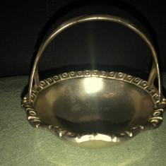 Bomboniera veche,englezeasca,in forma de cosulet,din bronz