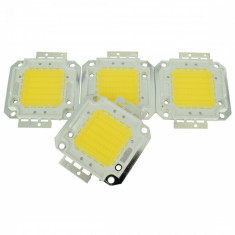 LED de 50 W cu Temperatura de Culoare 3000-3500 K