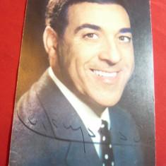 Fotografie de Studio a Cantaretului Luis Mariano ,autograf