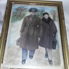Tablou vechi cu rama pictat/desenat MILITAR/OFITER SUPERIOR cu Sotia,T.GRATUIT
