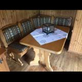 Coltar de bucatarie cu masa din lemn