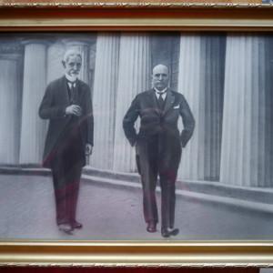 Fotografie mare , Averescu si Mussolini , pe spatele tabloului , autograf Groza