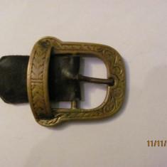 PVM - Pafta catarama veche bronz lucrata dintr-o bucata pentru curea mai ingusta