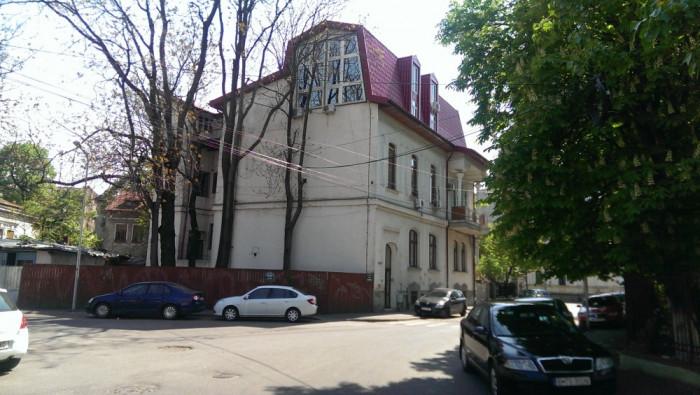 SPATIU BIROU DE VANZARE ARMENEASCA
