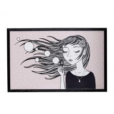 """Tablou """"Girl"""" Black cu rama din lemn de Paulownia, L70xH45 cm"""