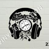 Ceas de perete din vinil muzica: DJ, pick-up, casti audio, pian
