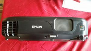 vand videoproiector EPSON EB-S02 , 3LCD, S VIDEO, RCA,VGA